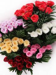Букет бутонов роз с добавками 12 г. выс. 40 см
