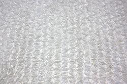 Белый атлас с нашивными розами 2,5 см
